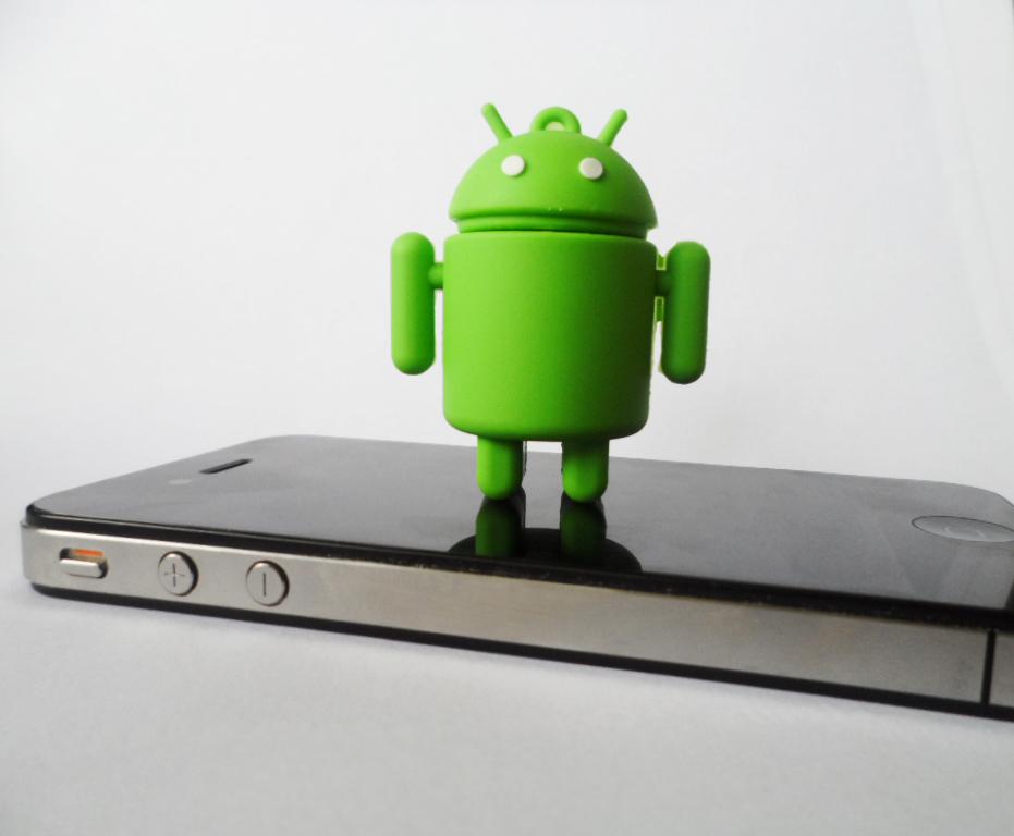 Test produit] Le Samsung MV800, le compact à l?écran pivotant